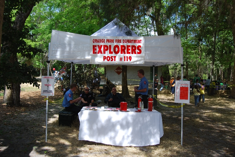 explorers booth pic 2